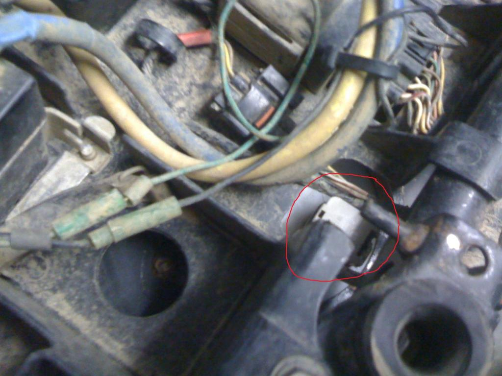 Removing fuel tank & fuel pump-007.1.jpg